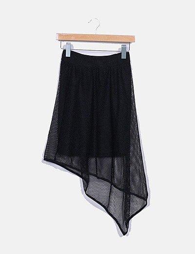Falda negra de malla