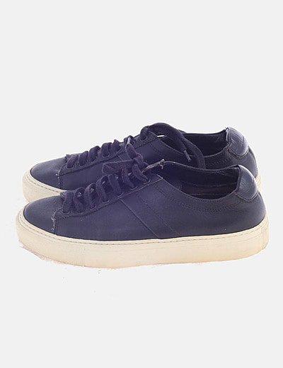 Sneaker negra piel