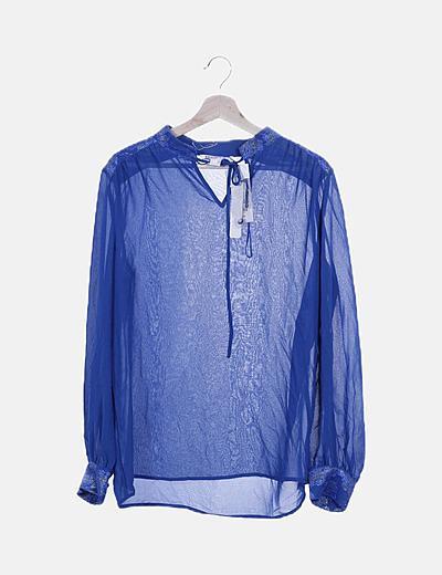 Blusa fluida azul detalle hombros
