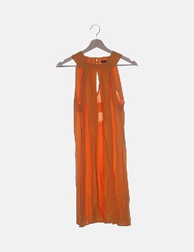 Vestido naranja abertura espalda