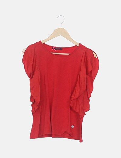 Camiseta roja mangas mariposa