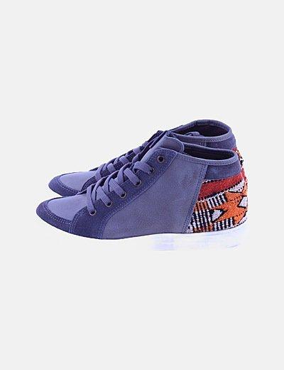 Sneaker gris étnica