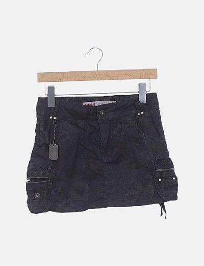 Mini falda negra estampada
