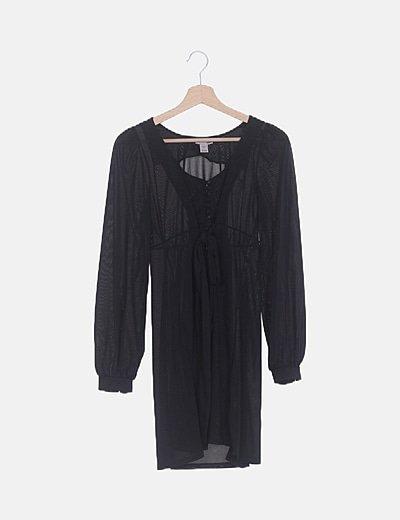 Vestido fluido negro detalle lazada