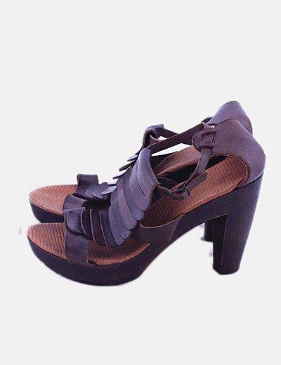 Sandalia tacón piel marrón
