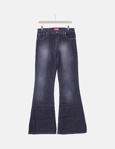 Jeans negro efecto desgastado campana