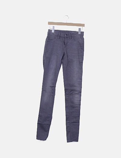 Pantalón pitillo gris marengo