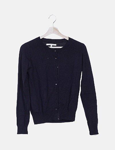 Suéter negra manga larga basic