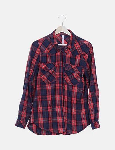 Camisa tartán roja