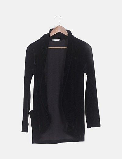 Blazer velvet negra con bolsillos