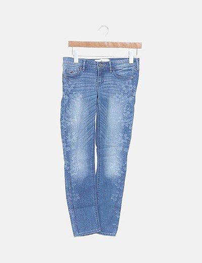 Jeans denim desgastado floral