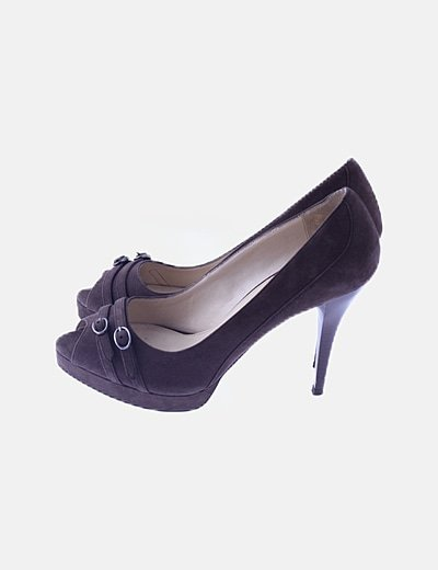 Zapato peptoe marrón con hebillas