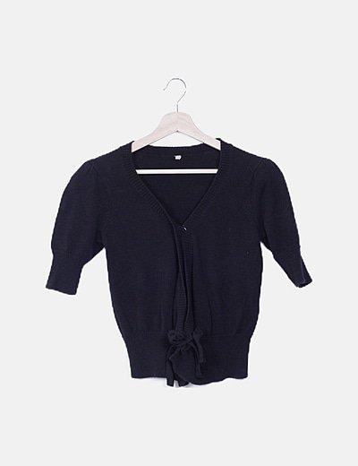 Suéter negro manga francesa