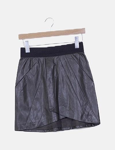 Falda khaki polipiel detalle goma