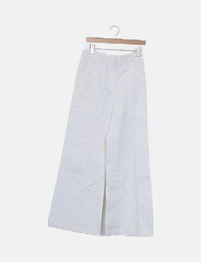 Pantalón blanco pata de elefante