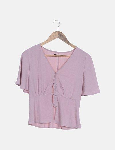 Blusa fluida rosa abotonada