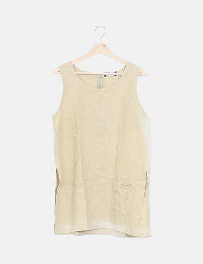 Camiseta beige abertura