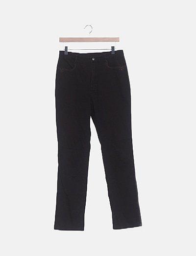 Jeans marrón con bordados