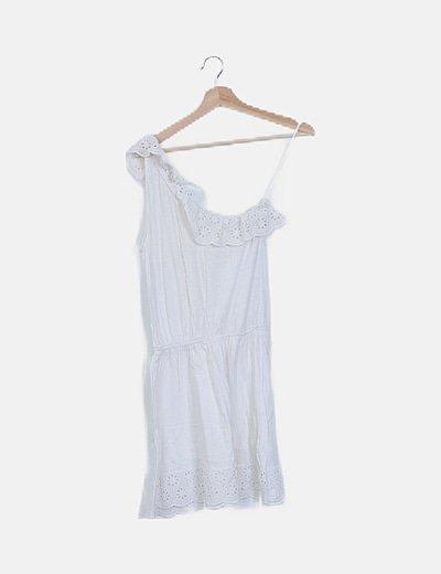 Vestido blanco asimétrico volante