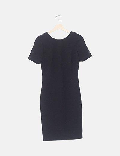 Vestido fluido negro abertura espalda
