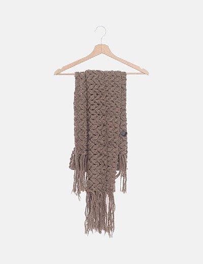 Bufanda crochet marrón desflecada