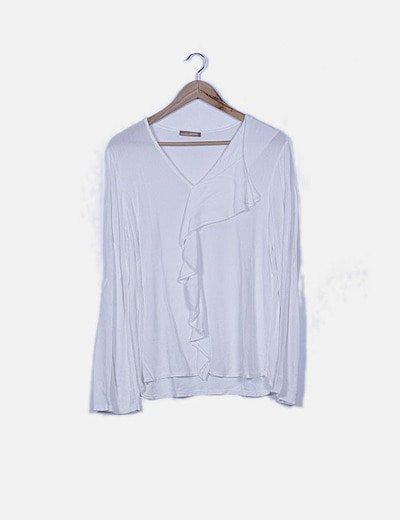 Blusa blanca con chorrera