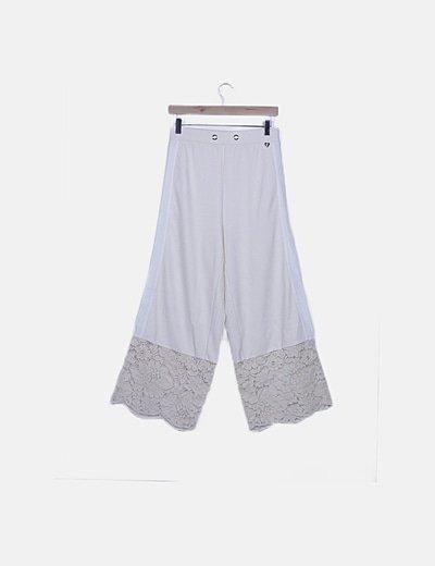 Conjunto top strass y pantalón palazzo beige crochet