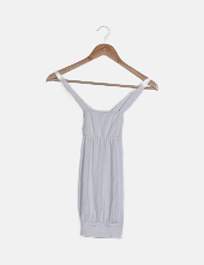 Camiseta blanca con cinturón estampado