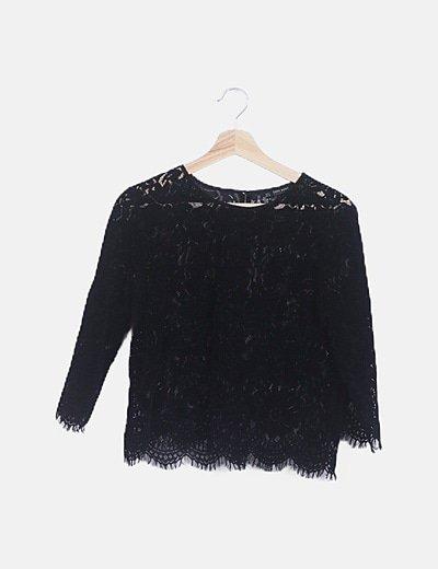 Blusa encaje negra de terciopelo