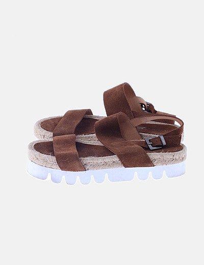 Sandalias serraje marrón