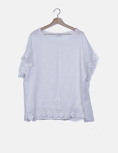 Blusa blanca oversize lino detalles crochet