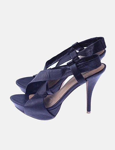 Sandalia negra piel