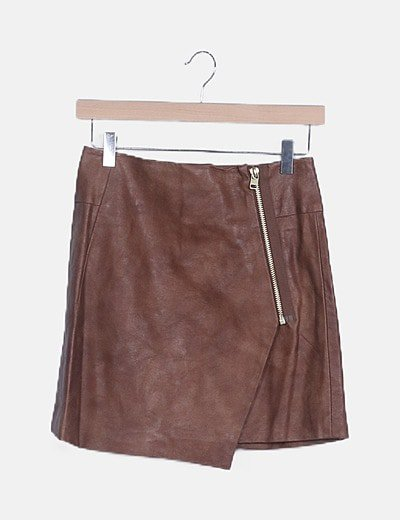 Falda encerada marrón con cremallera