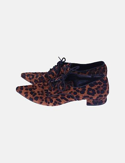 Zapato animal print texturizado