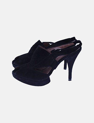 Zapato negro peep toes
