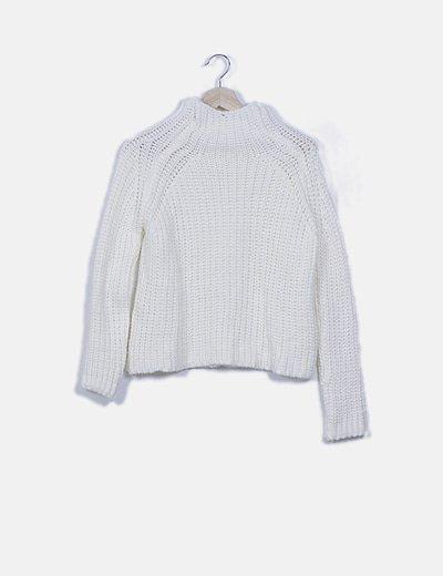 Jersey de punto blanco cuello cisne