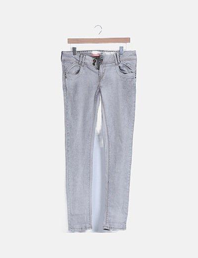 Jeans denim grises bolsillos