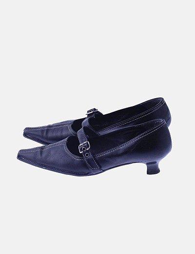 Zapato tacón bajo negro