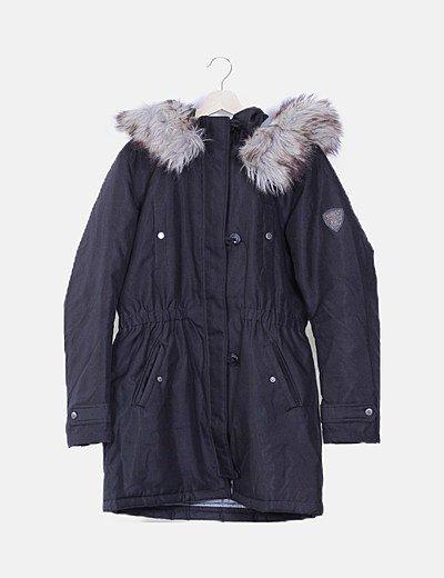 Abrigo negro acolchado capucha pelo