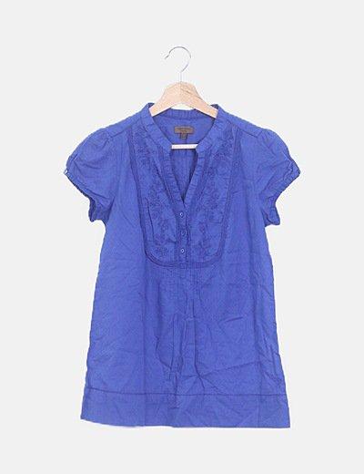 Blusa azul crochet manga corta