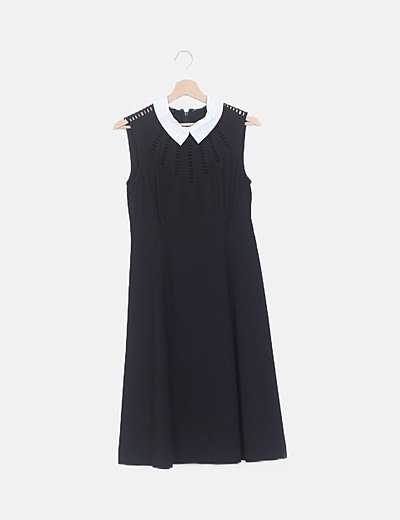 Vestido negro con cuello blanco detalle troquelado