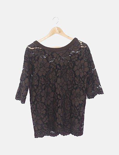 Jersey crochet marrón combinado burdeos y pañoleta