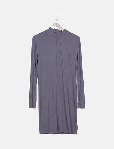 Vestido básico gris cuello vuelto