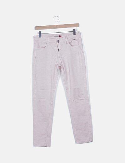 Pantalón pitillo rosa nude
