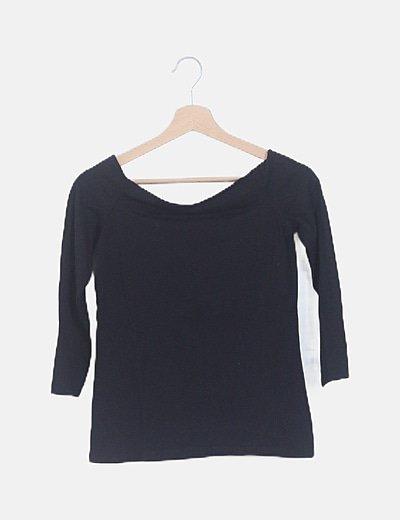 Camiseta escote barco negra