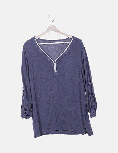 Blusa gris con strass