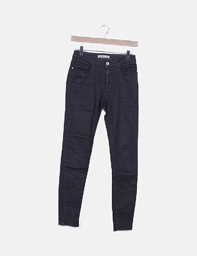 Pantalón negro skinny