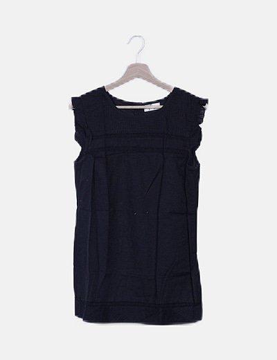 Blusa negra texturizada detalles troquelados
