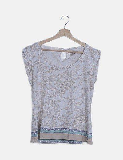 Camiseta blanca estampado combinado