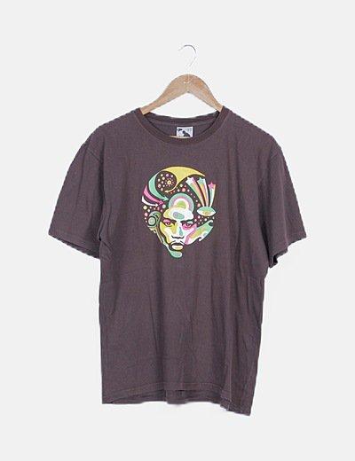 Camiseta marrón print logo